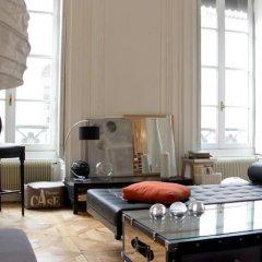 Отель Une nuit au second Франция, Лион - отзывы, цены и фото номеров - забронировать отель Une nuit au second онлайн комната для гостей фото 5