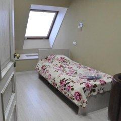 Гостиница Гларус 2* Стандартный номер с 2 отдельными кроватями (общая ванная комната)