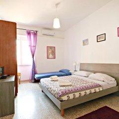 Отель Stairs of Trastevere 3* Стандартный номер с двуспальной кроватью (общая ванная комната) фото 2