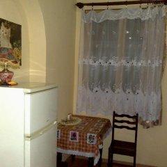 Отель Guest House Nikala Грузия, Тбилиси - отзывы, цены и фото номеров - забронировать отель Guest House Nikala онлайн удобства в номере фото 2