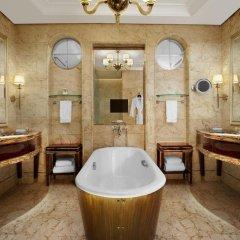 Отель The St. Regis Singapore 5* Номер Делюкс с различными типами кроватей