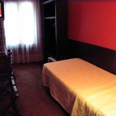 Отель Hôtel Monte Carlo 2* Стандартный номер с различными типами кроватей (общая ванная комната) фото 2