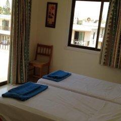 Отель Constantaras Apartments Кипр, Протарас - отзывы, цены и фото номеров - забронировать отель Constantaras Apartments онлайн комната для гостей фото 4