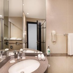 Отель Holiday Inn Express Dubai Safa Park 2* Стандартный номер с различными типами кроватей фото 3