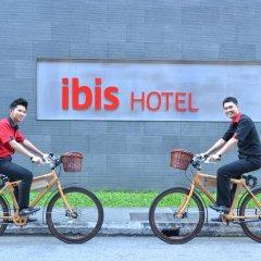 Отель Ibis Singapore On Bencoolen Сингапур спортивное сооружение