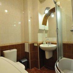 Voyager Hostel Львов ванная