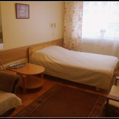 Mahtra Hostel Стандартный номер с двуспальной кроватью (общая ванная комната)