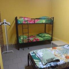 Хостел Кутузова 30 Кровать в мужском общем номере с двухъярусной кроватью