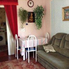 Гостиница Holiday Home Zheleznovodsk в Железноводске отзывы, цены и фото номеров - забронировать гостиницу Holiday Home Zheleznovodsk онлайн Железноводск комната для гостей