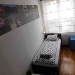 Hostel Bureau Стандартный номер с различными типами кроватей (общая ванная комната)