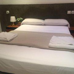 Отель Hostal Mont Thabor Улучшенный номер с различными типами кроватей фото 19