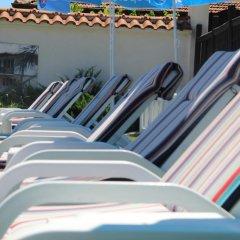 Отель Holiday Village Kedar Болгария, Долна баня - отзывы, цены и фото номеров - забронировать отель Holiday Village Kedar онлайн бассейн фото 3