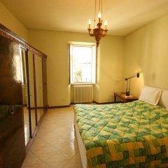 Отель Loggia Innocenti Италия, Вербания - отзывы, цены и фото номеров - забронировать отель Loggia Innocenti онлайн комната для гостей фото 3