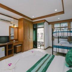 Отель Magnific Guesthouse Patong удобства в номере