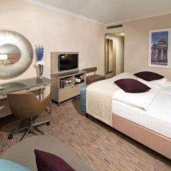 Отель Crowne Plaza Berlin City Centre 4* Стандартный номер с двуспальной кроватью