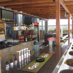 Green Bungalows Hotel Apartments гостиничный бар