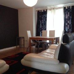 Апартаменты Bellway Commonwealth Apartment комната для гостей фото 3