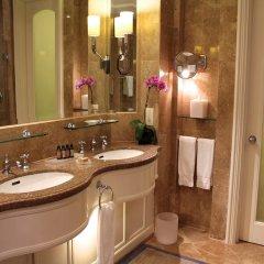 Four Seasons Hotel Singapore 5* Стандартный номер с различными типами кроватей фото 4