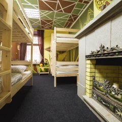 Art Hostel Contrast Кровать в мужском общем номере с двухъярусной кроватью