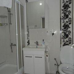 Отель Tulip Guesthouse 2* Стандартный семейный номер с двуспальной кроватью фото 9