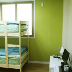 Отель Patio 59 Hongdae Guesthouse 2* Стандартный номер с двухъярусной кроватью