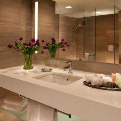 Отель Millennium Hilton New York One UN Plaza 4* Стандартный номер с различными типами кроватей фото 2