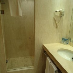 Hotel City Express Santander Parayas 3* Стандартный номер с различными типами кроватей фото 10