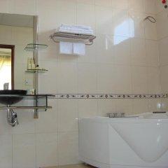 Отель Hoang Loc Hotel Вьетнам, Буонматхуот - отзывы, цены и фото номеров - забронировать отель Hoang Loc Hotel онлайн ванная