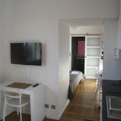 Отель At Home in Paris Булонь-Бийанкур комната для гостей фото 3