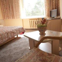 Отель Karolina 3* Стандартный семейный номер с двуспальной кроватью фото 11