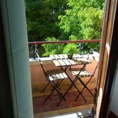 Отель Alfama 3B - Balby's Bed&Breakfast Стандартный номер с 2 отдельными кроватями (общая ванная комната) фото 5