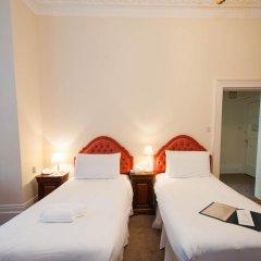 The Courtlands Hotel 3* Стандартный семейный номер с двуспальной кроватью