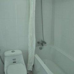 Отель Baan Keaw Mansion Таиланд, Бангкок - отзывы, цены и фото номеров - забронировать отель Baan Keaw Mansion онлайн ванная