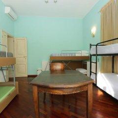 Nika Hostel Кровать в общем номере с двухъярусной кроватью фото 6
