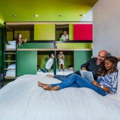 Отель Hôtel Yooma Urban Lodge 3* Стандартный семейный номер с различными типами кроватей фото 4