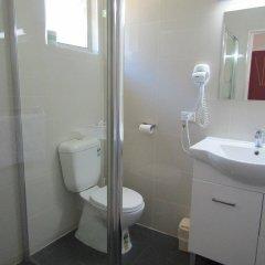Отель Homestead Motel ванная фото 2