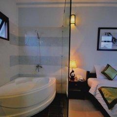 Отель Starfruit Homestay Hoi An 2* Улучшенный номер с различными типами кроватей фото 8