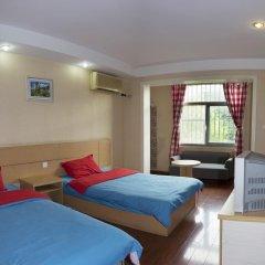 Dengba Hostel Chengdu Branch Стандартный семейный номер с двуспальной кроватью