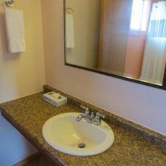 Отель Coast Inn and Spa Fort Bragg 2* Стандартный номер с различными типами кроватей фото 8