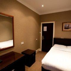 Newham Hotel 2* Номер с общей ванной комнатой с различными типами кроватей (общая ванная комната)