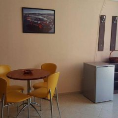 Rose Garden Omax Hotel Apartments удобства в номере