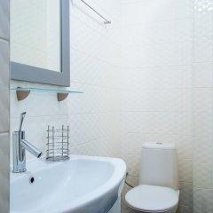 Гостиница Royal Apartment On Bazhanova 11 A Украина, Харьков - отзывы, цены и фото номеров - забронировать гостиницу Royal Apartment On Bazhanova 11 A онлайн ванная фото 2