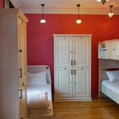 Отель Cheers Lighthouse 3* Кровать в общем номере с двухъярусной кроватью фото 7