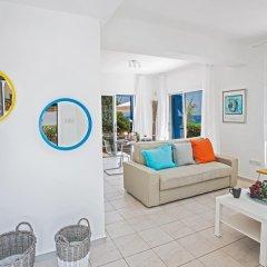 Отель Narcissos Bay View Villa Кипр, Протарас - отзывы, цены и фото номеров - забронировать отель Narcissos Bay View Villa онлайн комната для гостей