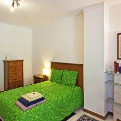 Апартаменты Apartment with Small Garden комната для гостей фото 2