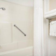Отель Days Inn & Suites Langley 2* Стандартный номер с различными типами кроватей