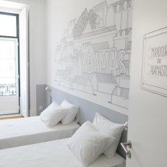 Отель Lisbon Check-In Guesthouse 3* Стандартный номер с двуспальной кроватью (общая ванная комната) фото 16