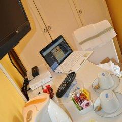 Отель Relais Firenze Stibbert 2* Стандартный номер с различными типами кроватей фото 9
