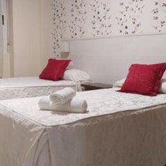 Отель Hostal San Roque Номер Комфорт с различными типами кроватей фото 8