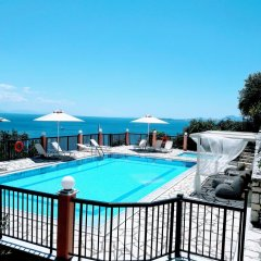 Отель Villa Nestoras бассейн